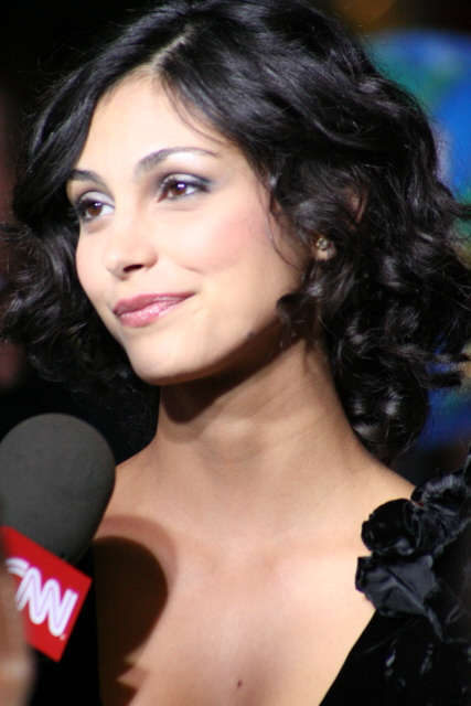 Morena Baccarin - V Wiki