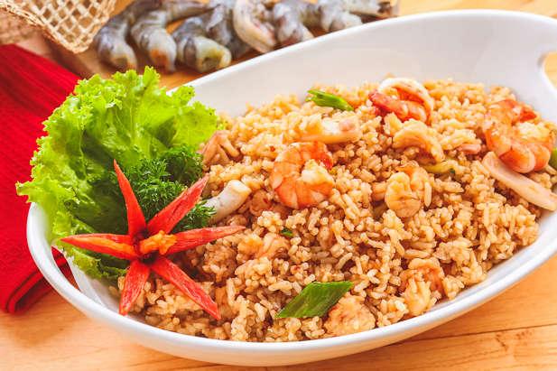 File:Nasi goreng seafood.png - Wikimedia Commons