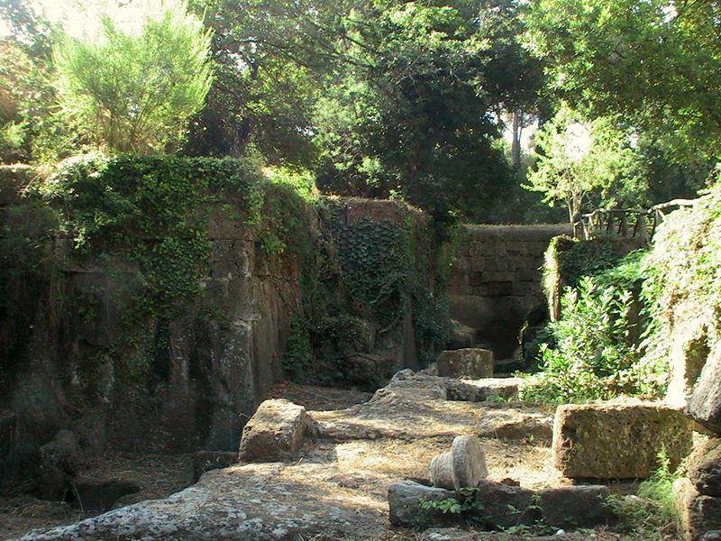 File:Necropoli etrusca di Banditaccia 2.jpg