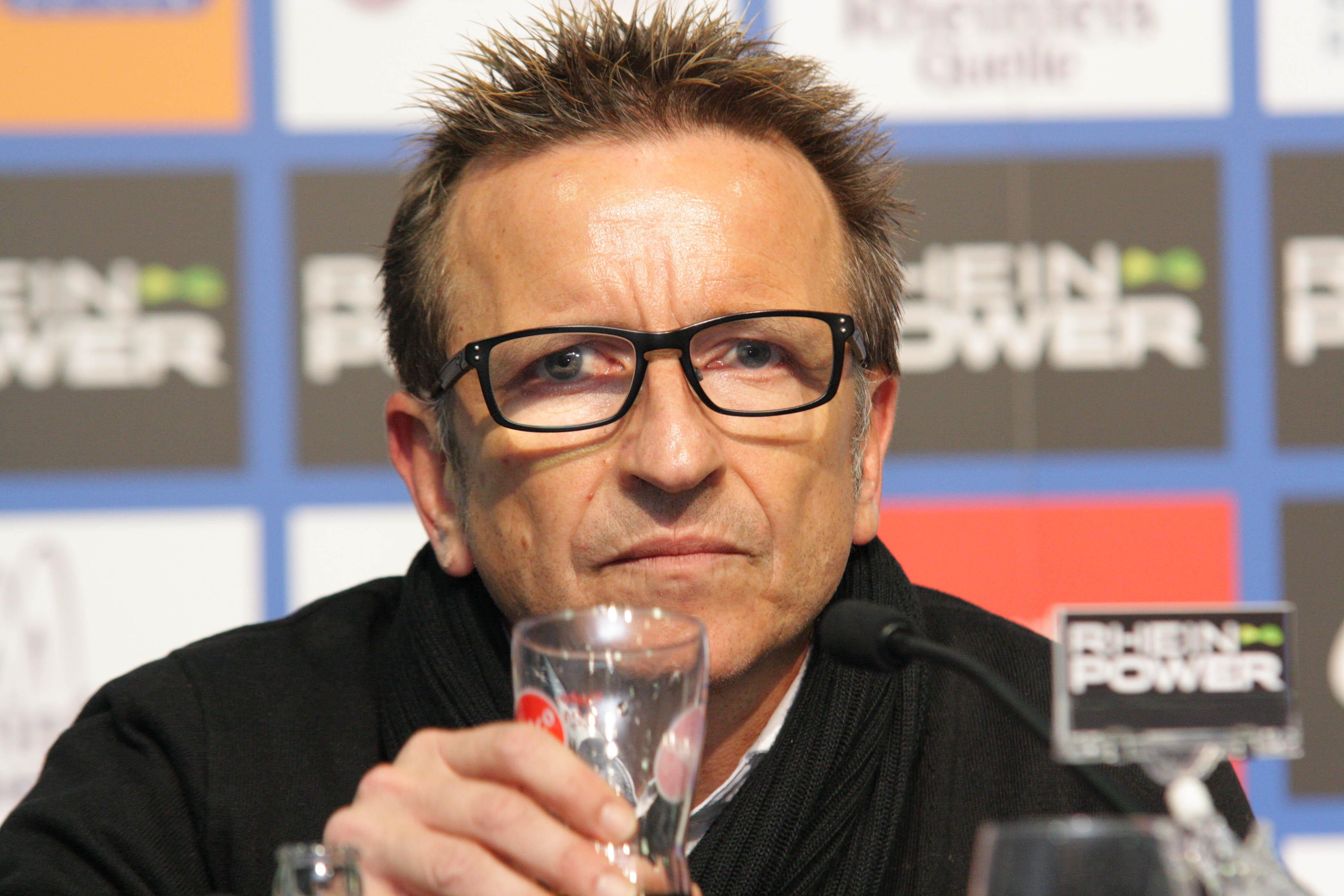 Meier at a press conference with [[Fortuna Düsseldorf Düsseldorf]] in 2011