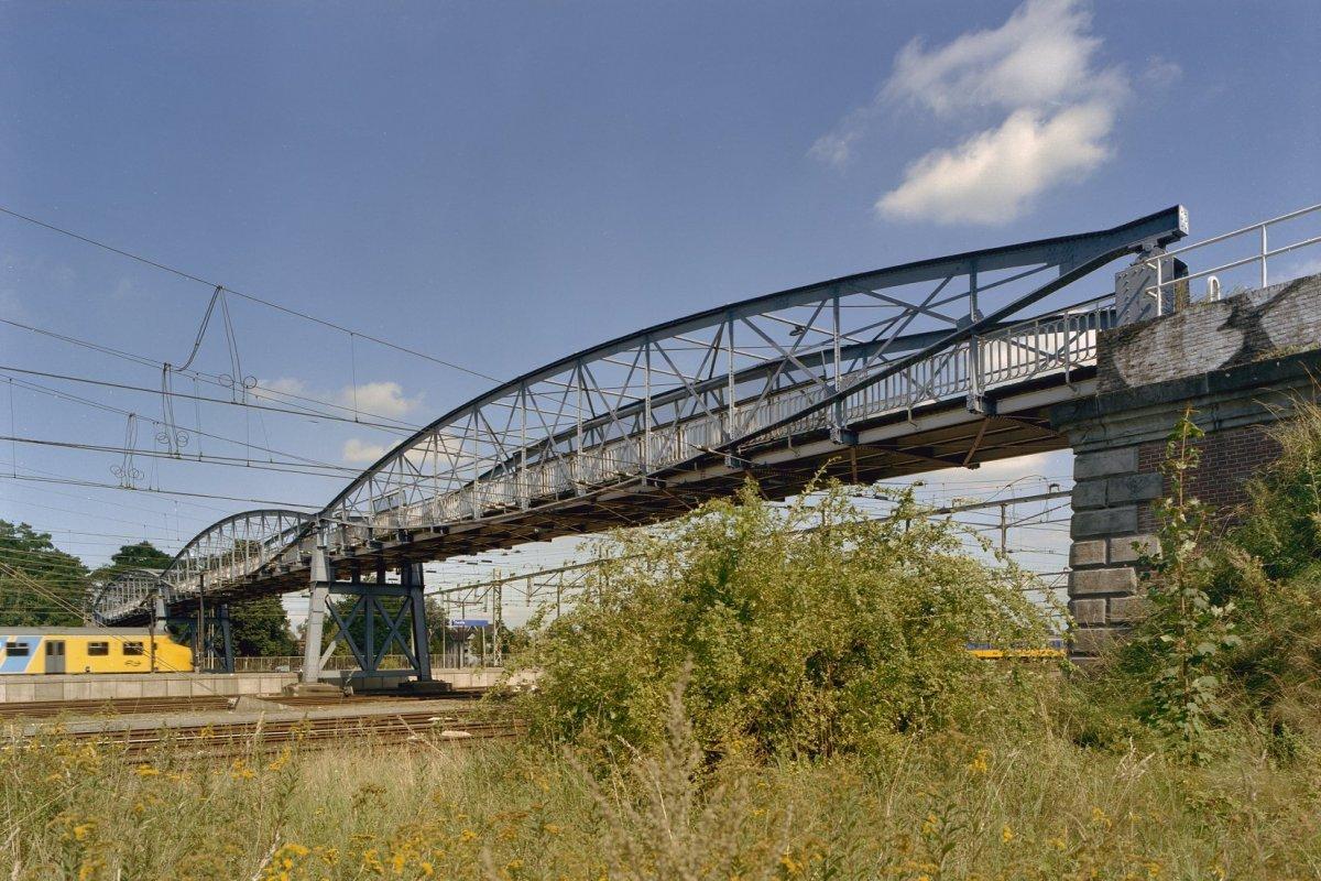 De brug in 2002