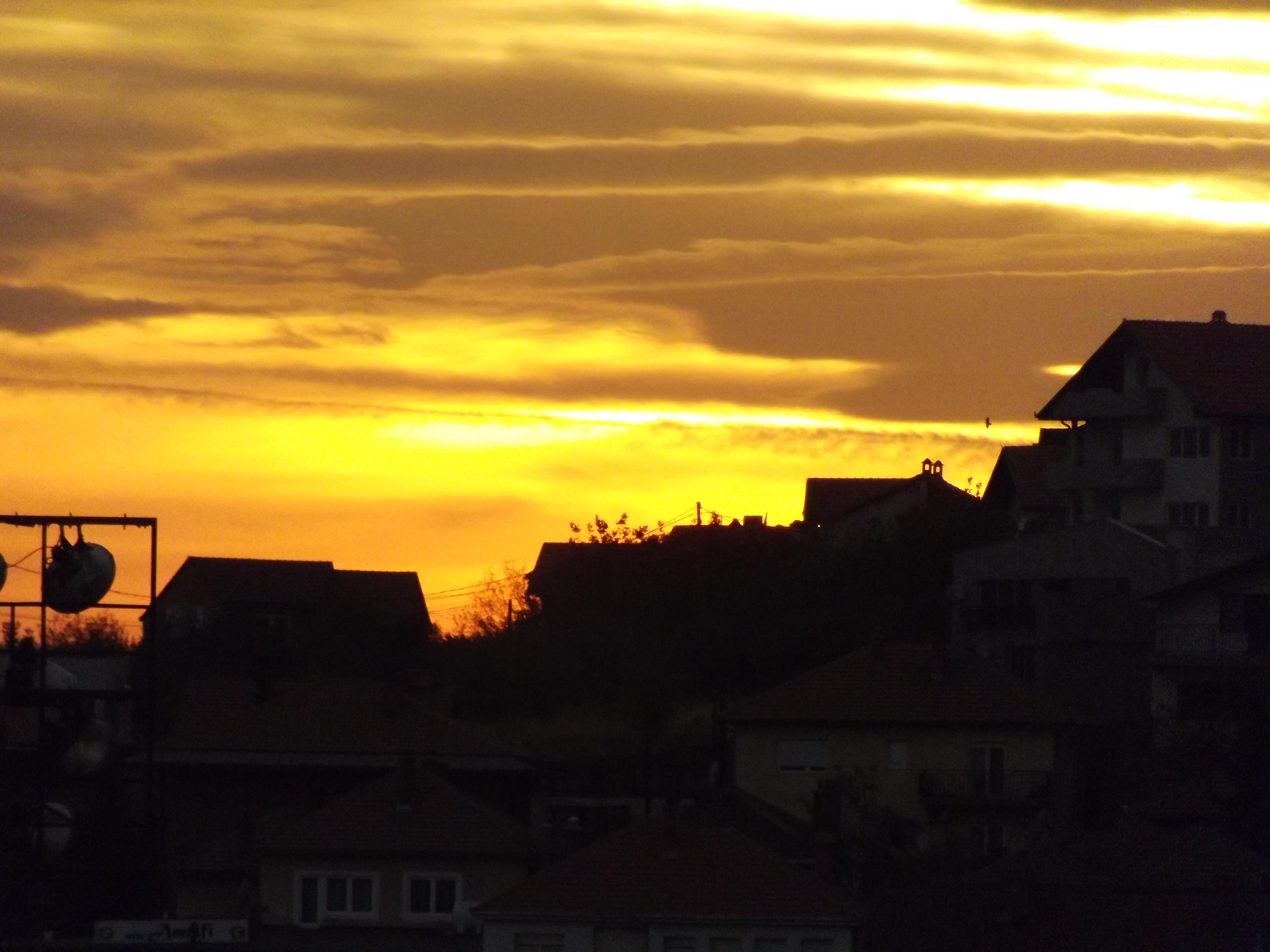File:Perendimi i diellit ne Prishtine.JPG - Wikimedia Commons   title   perendimi i diellit