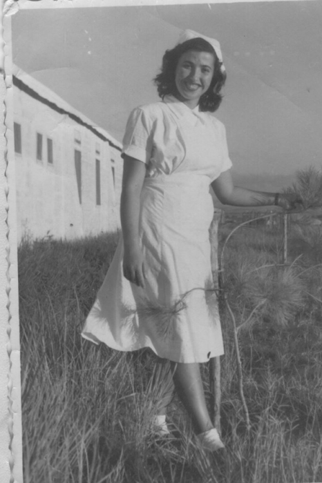 אחות מתלמדת בתל השומר 1947