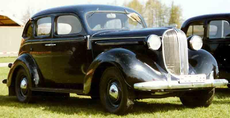 File plymouth 4 door sedan touring wikimedia for 1941 dodge 4 door sedan