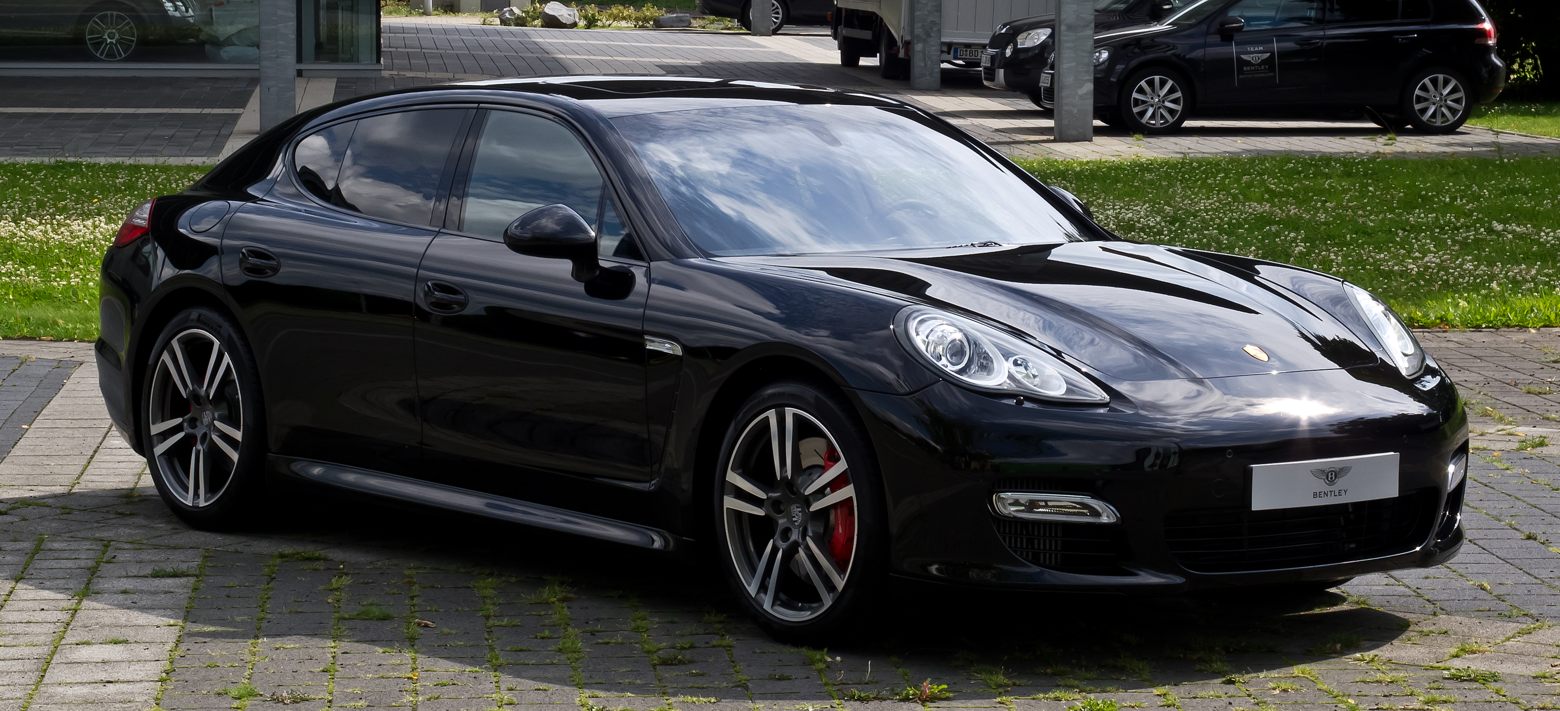 file porsche panamera turbo 970 frontansicht 2 18 juli 2012 d wikimedia. Black Bedroom Furniture Sets. Home Design Ideas