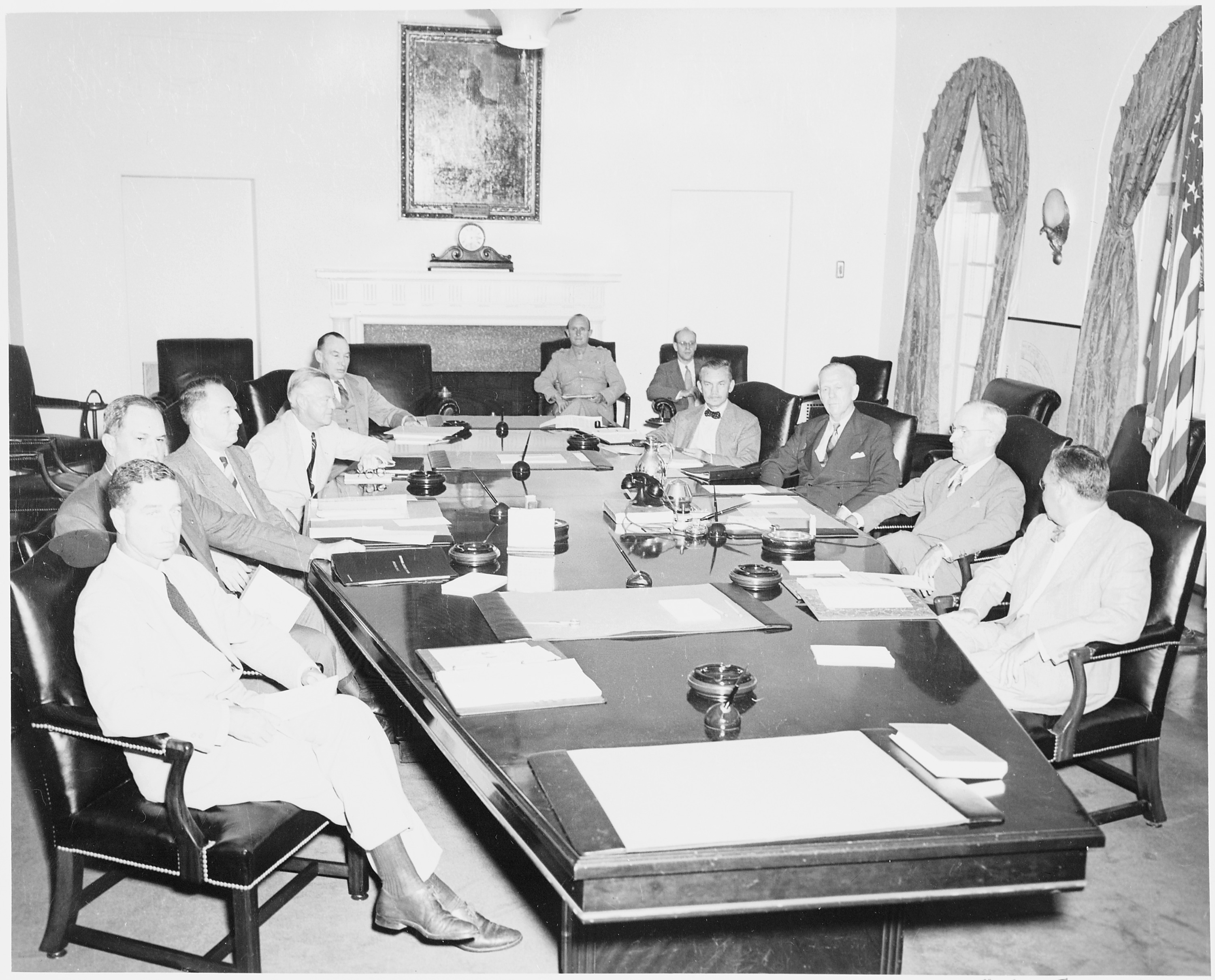 File:President Truman With The National Security Council In The Cabinet  Room Of The White