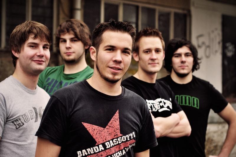 file rafiki band members 2011 jpg wikimedia commons