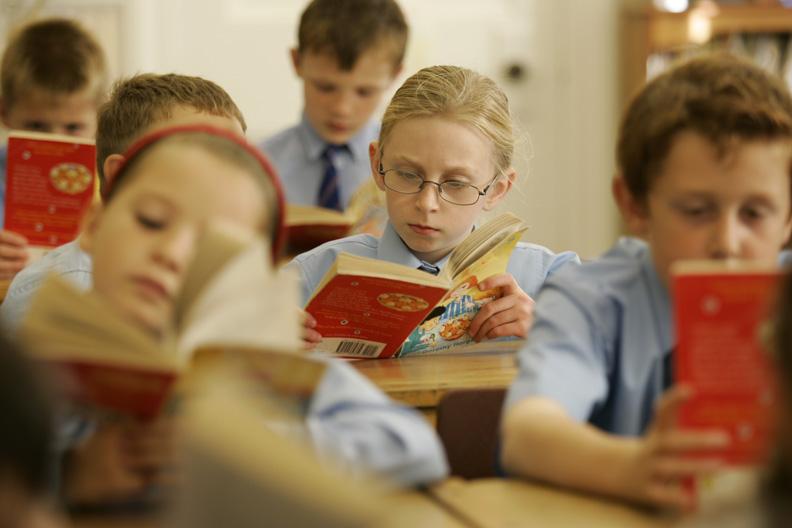 alumnos en clase de ingles