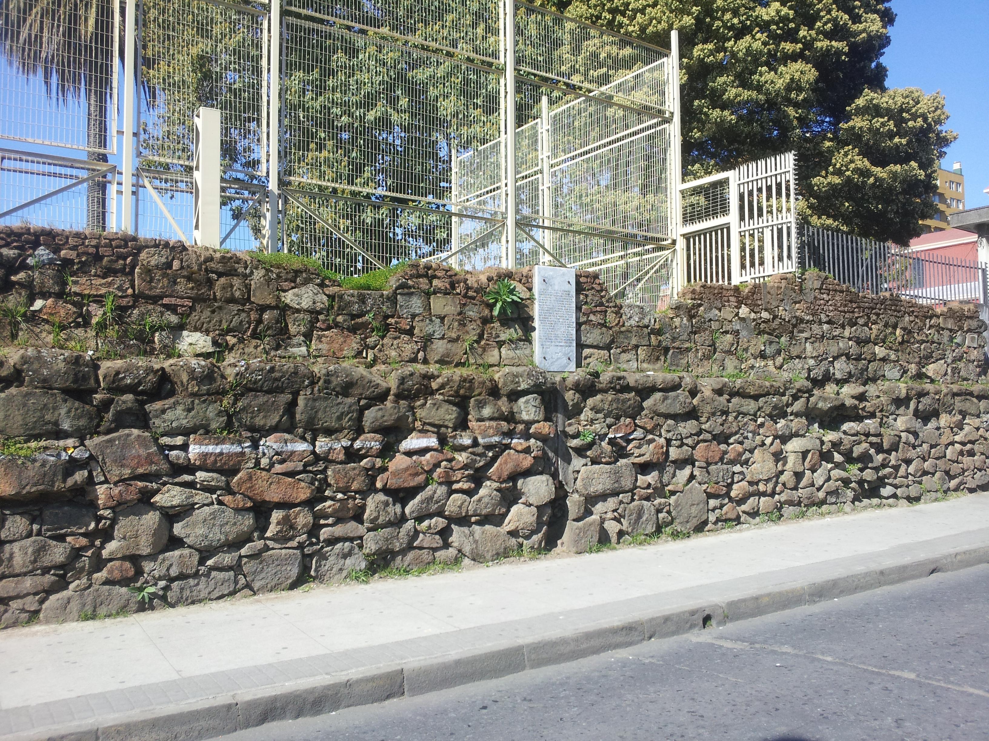 Muros de piedra fotos piedra pretil muros fachadas en - Muros de piedra ...