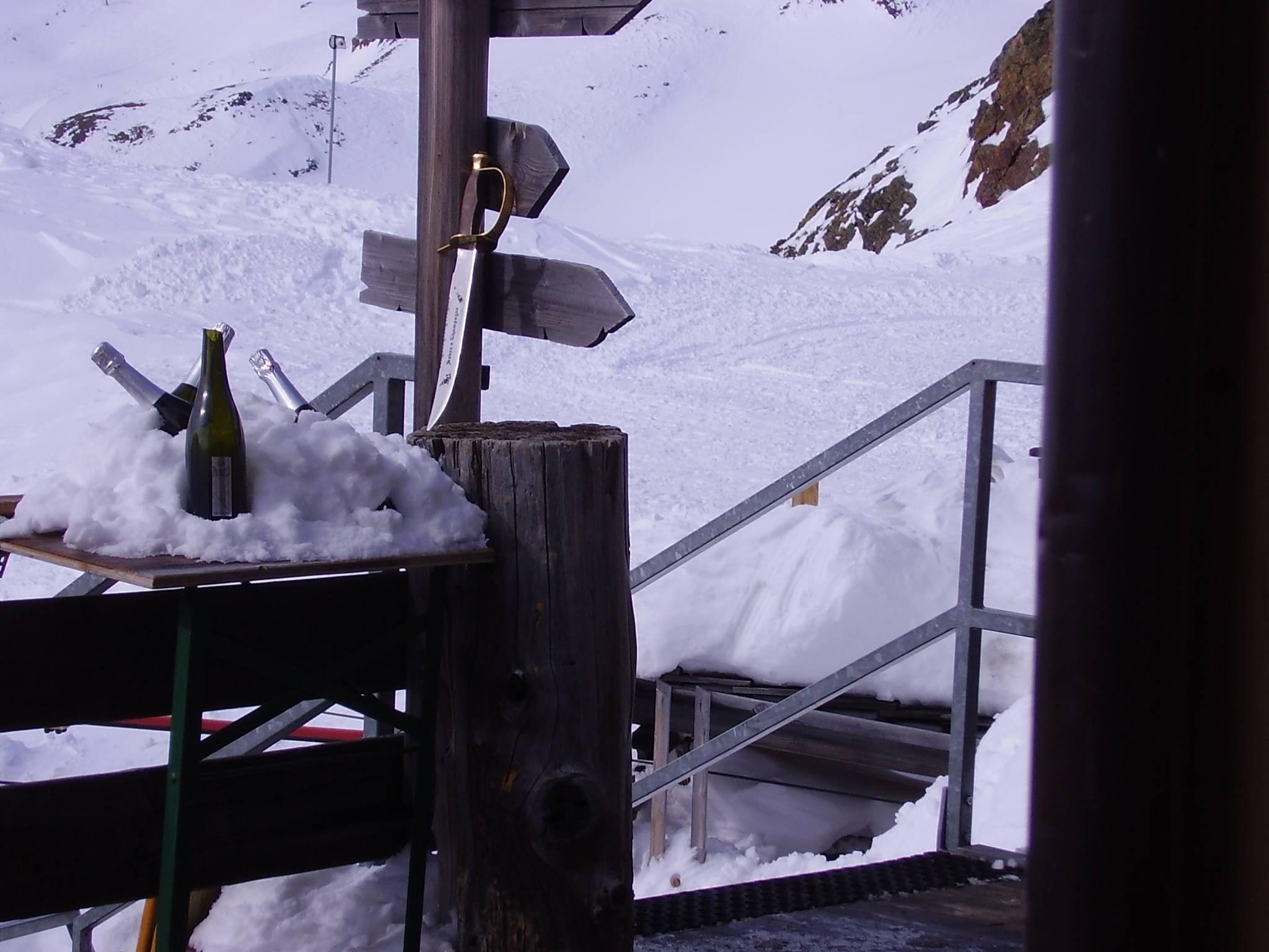 Hintergrund die unter http://www.schnalstal.com/wetterwebcam_webcam_schoeneaussicht.php erreichbare Webcam I, the copyright holder of this work, hereby