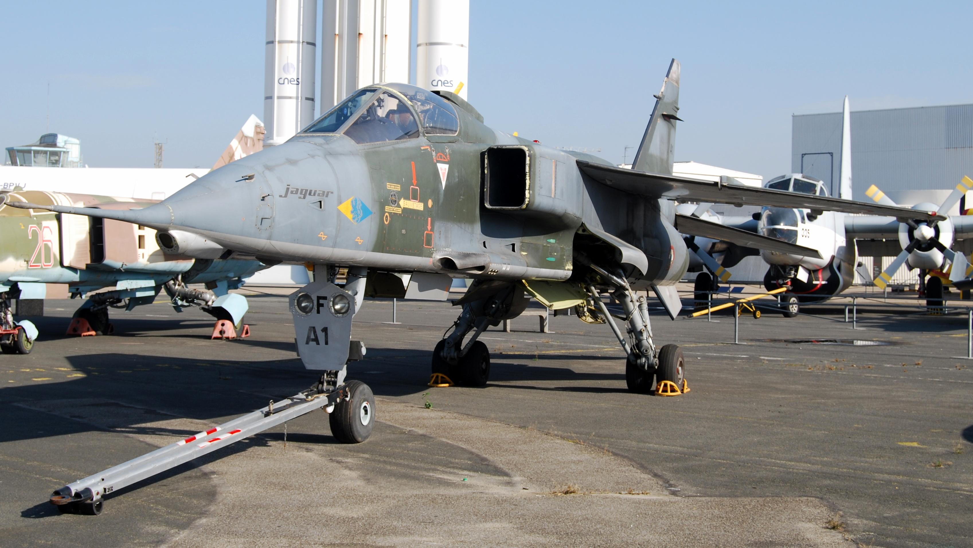 File sepcat jaguar a musee de l 39 air et de l 39 espace le for Bourget paris