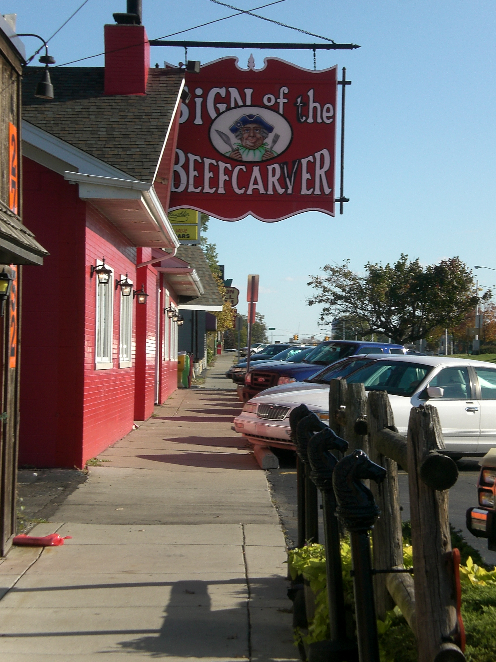 Dearborn Sign of the Beefcarver closes after nearly 50 years