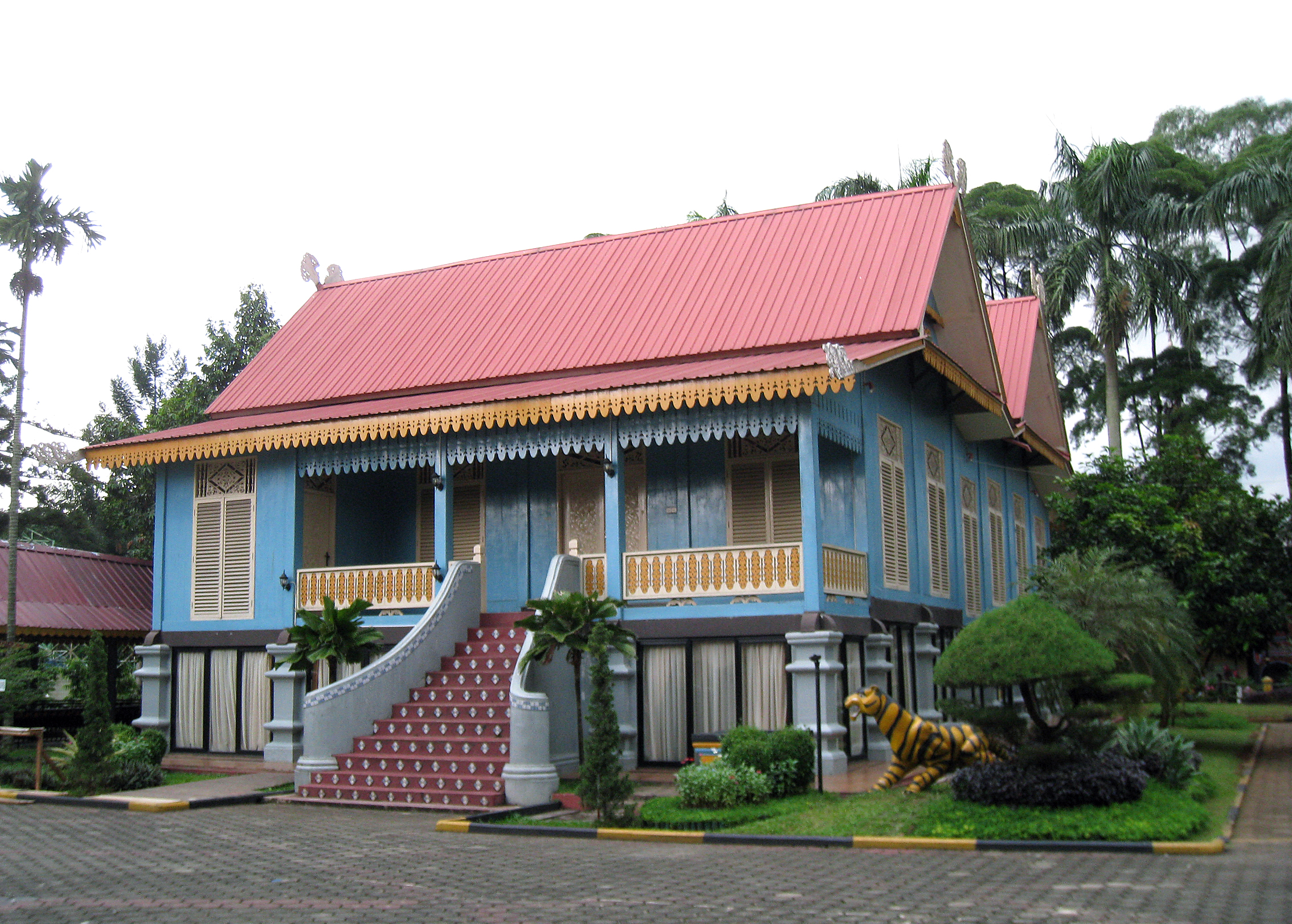 file tmii riau pavilion malay house wikimedia commons