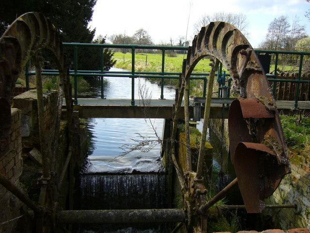 Water Wheel, Great Bardfield, Essex - geograph.org.uk - 368267
