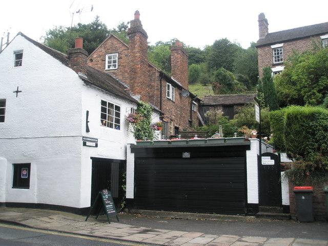 File:Wharfage Cottage - geograph.org.uk - 1462630.jpg