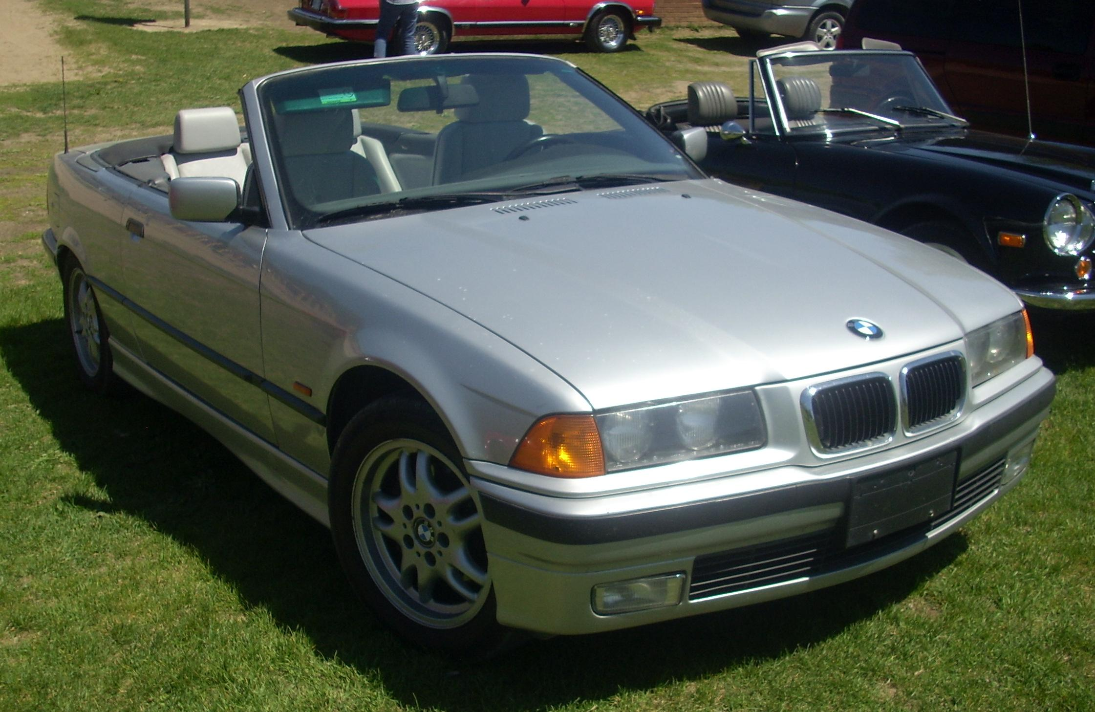 file 39 97 39 99 bmw 323i convertible e36 hudson jpg wikimedia commons. Black Bedroom Furniture Sets. Home Design Ideas