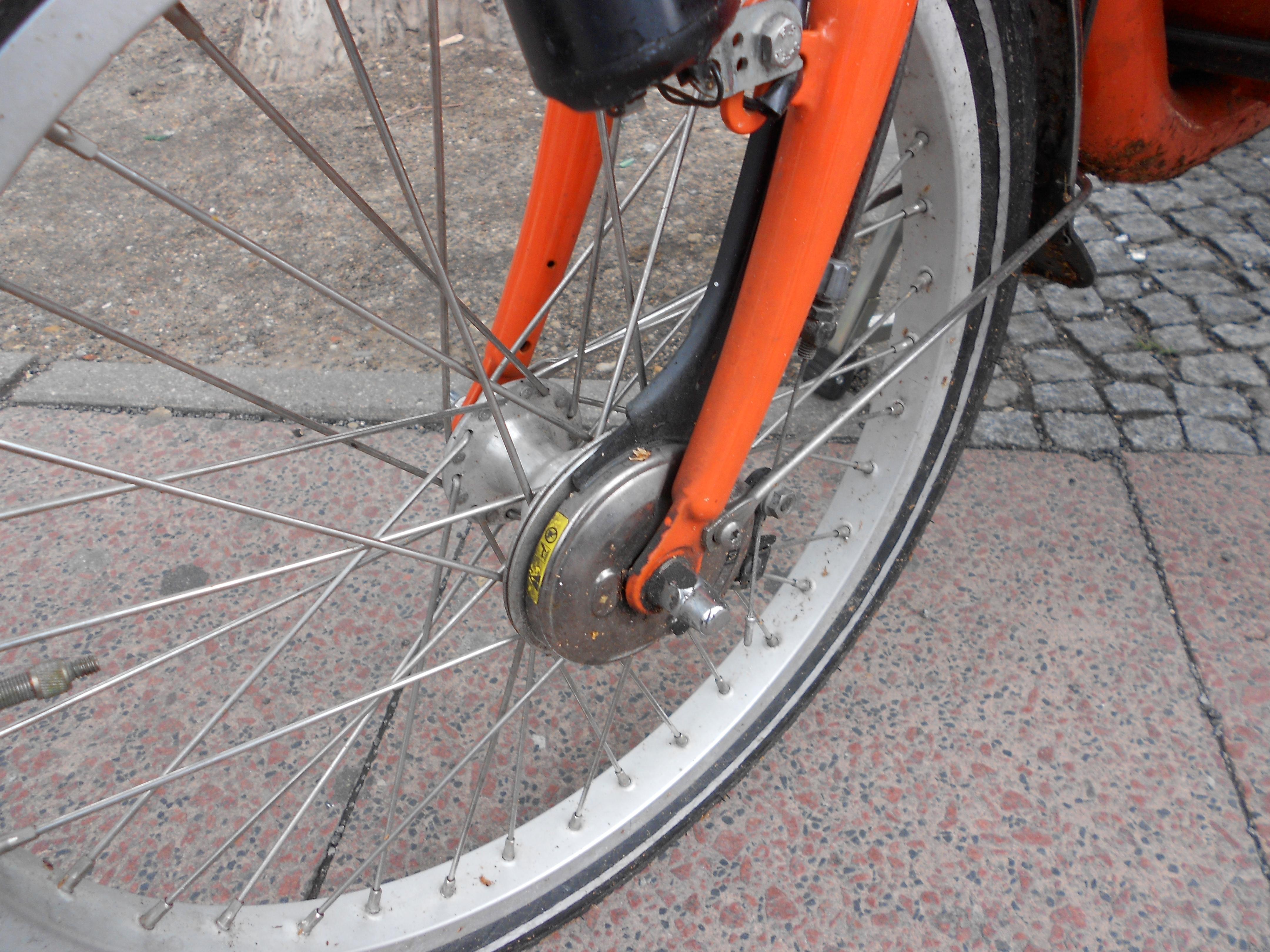 12-06-26-Велосипед-или-автомобили в Берлине-08.jpg