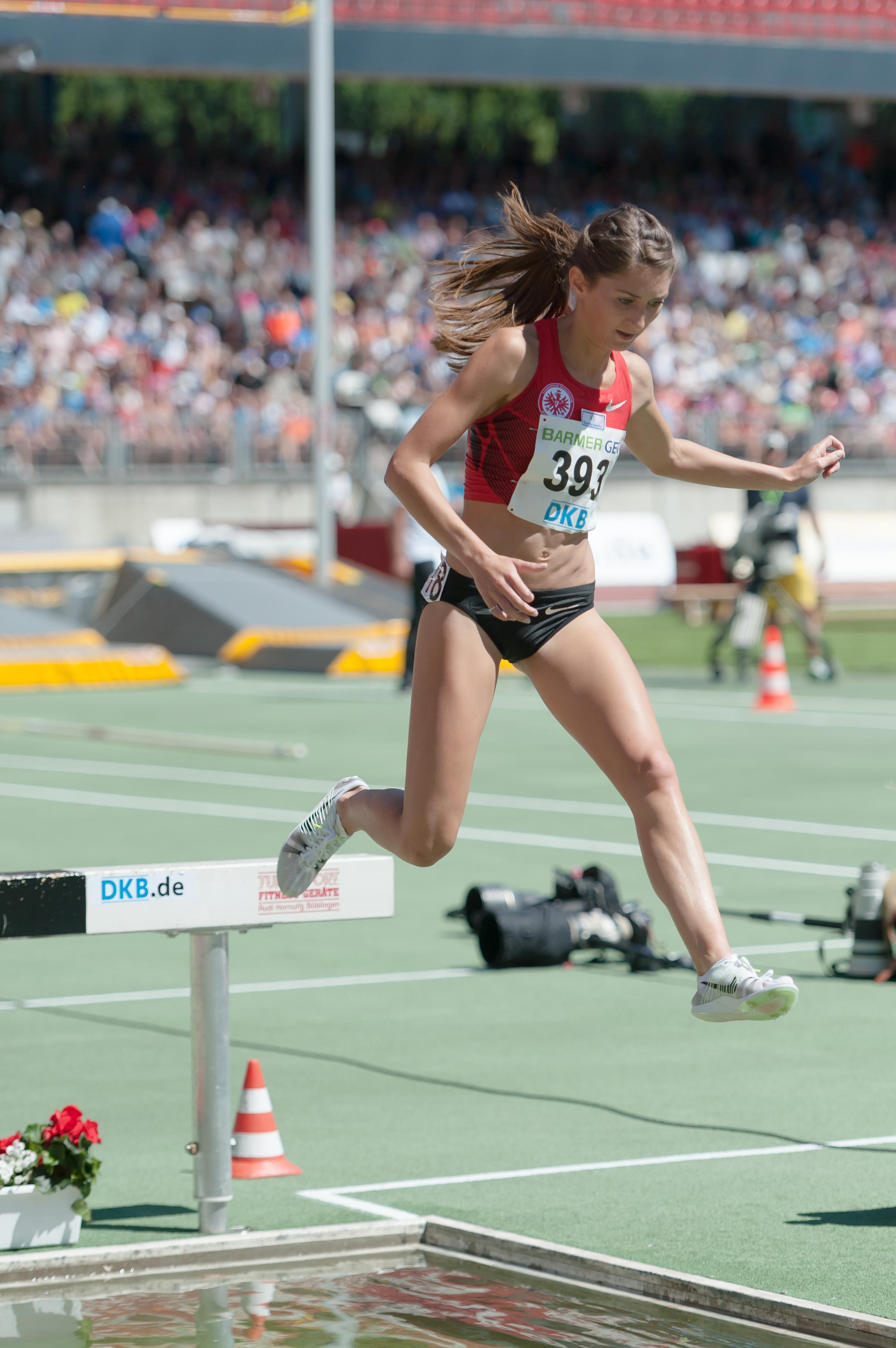 offiziell große Vielfalt Modelle neuer Stil File:20150726 1436 DM Leichtathletik Frauen 3000m Hindernis ...
