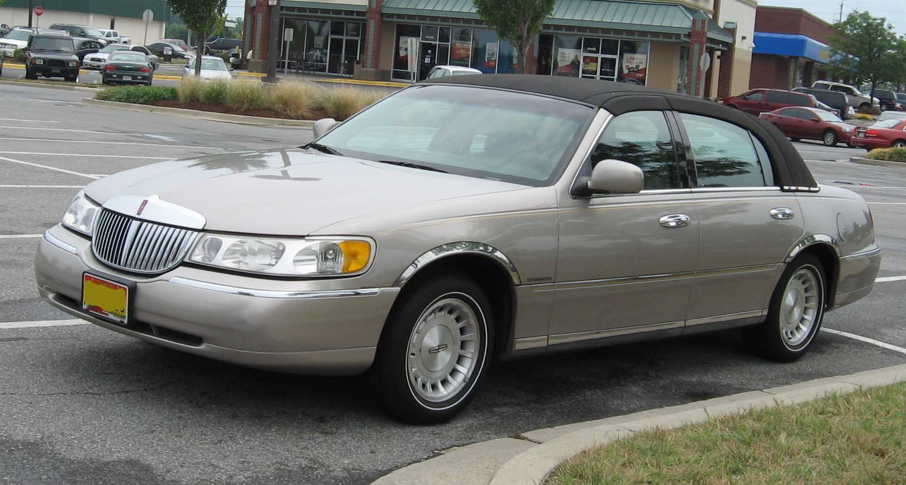 File 98 02 Lincoln Town Car Jpg Wikimedia Commons