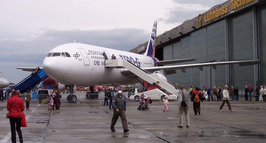 Airbus_A300_B2_Zero-G.jpg