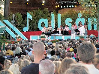 Anders Lundin och Rikard Wolff i Allsång på Skansen