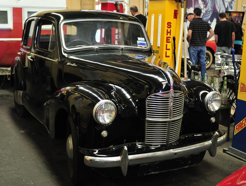 Austin a40 devon wikipedia for 1948 austin devon 4 door