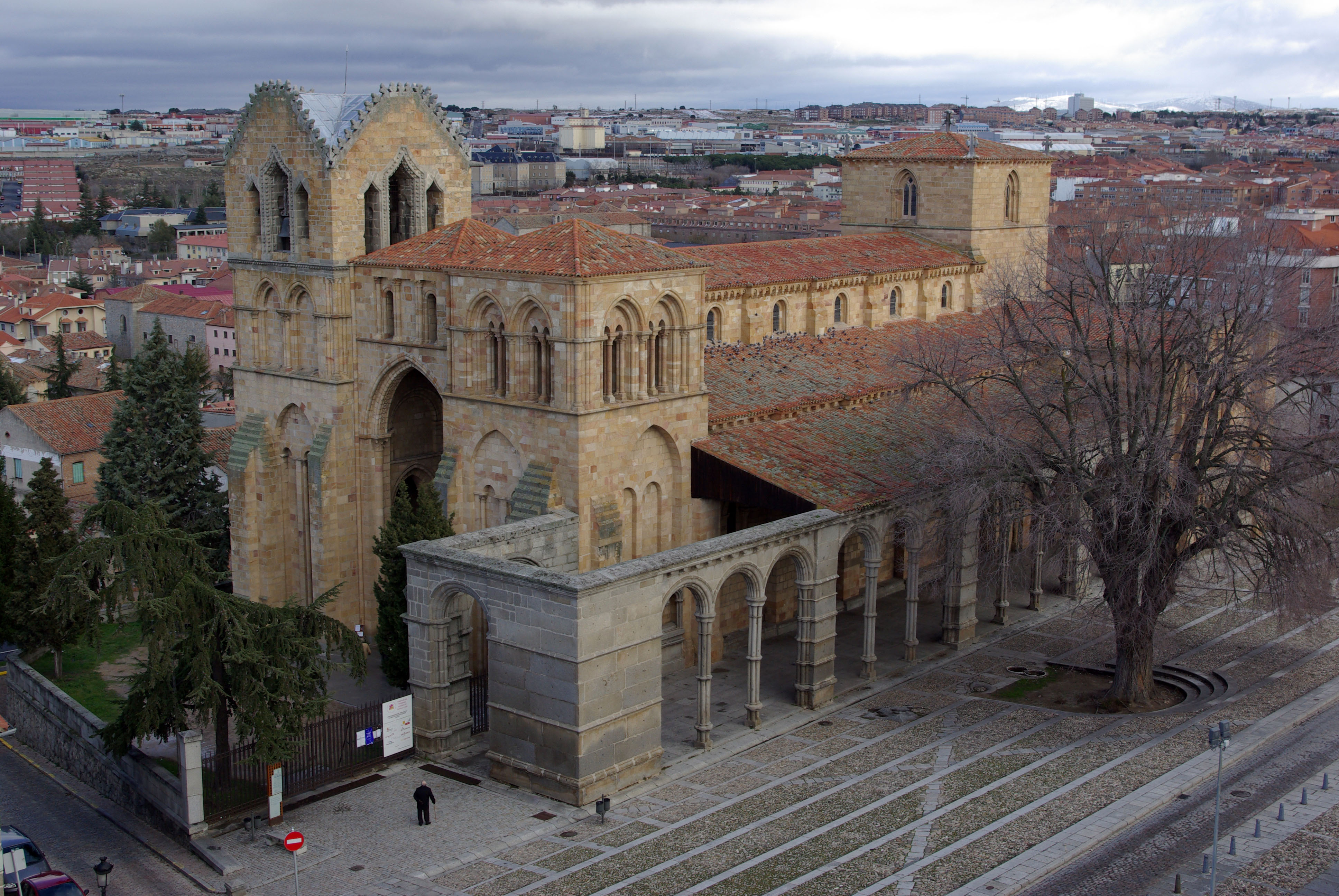 Basilica Of San Vicente Wikipedia