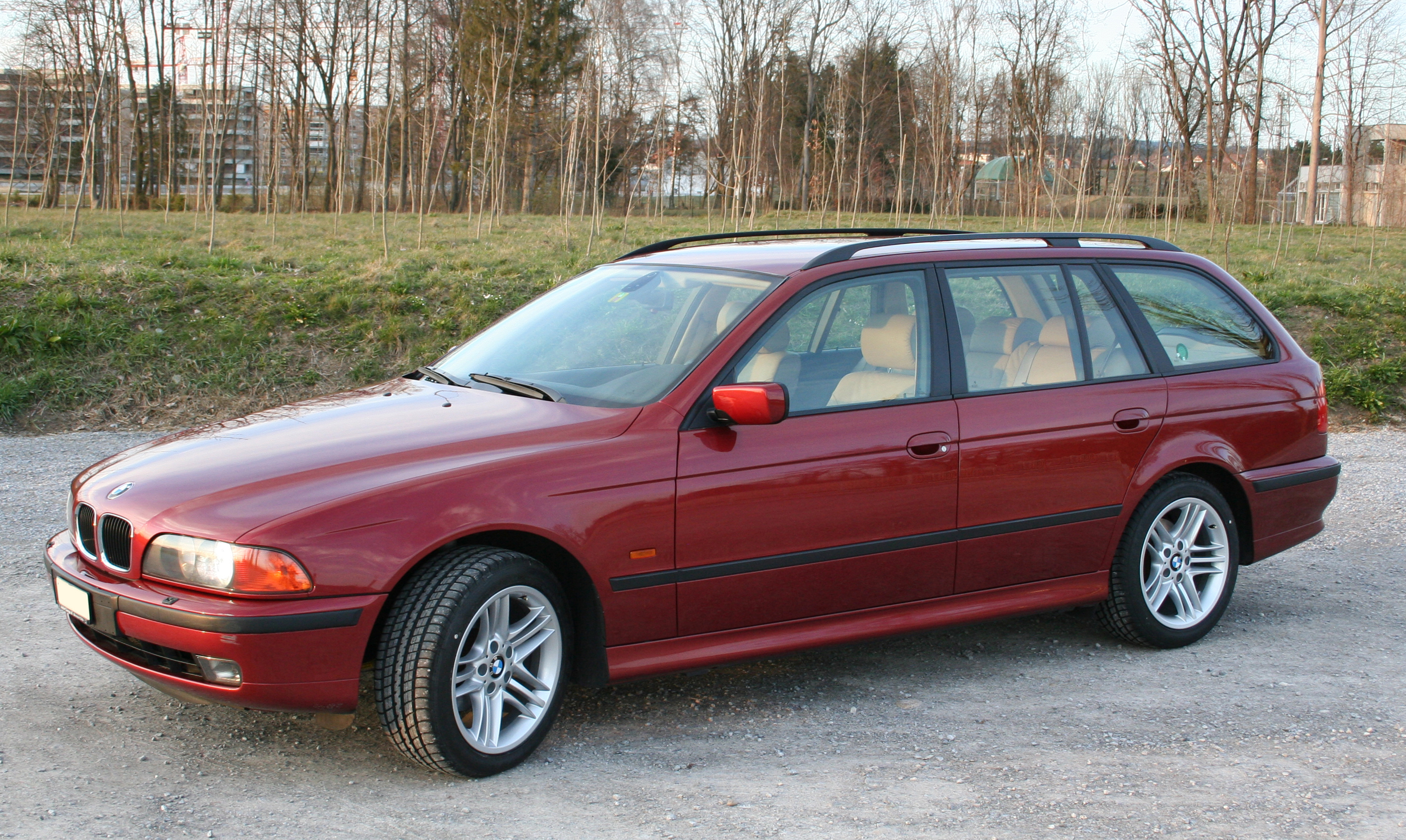 file bmw e39 touring 2000 jpg wikimedia commons. Black Bedroom Furniture Sets. Home Design Ideas