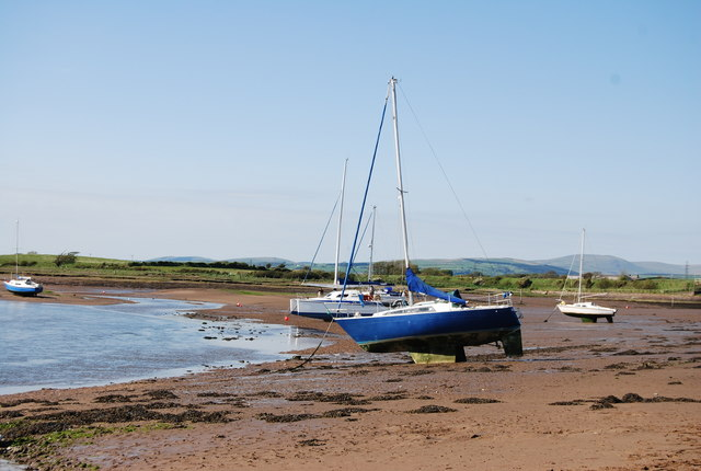 File:Boats by the River Mite, Ravenglass - geograph.org.uk - 1327998.jpg