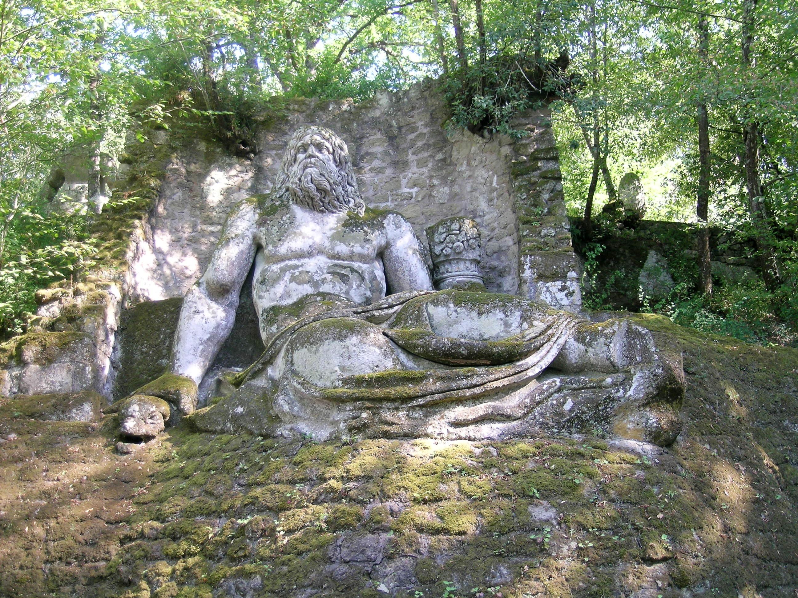 File:Bomarzo parco mostri nettuno.JPG - Wikimedia Commons