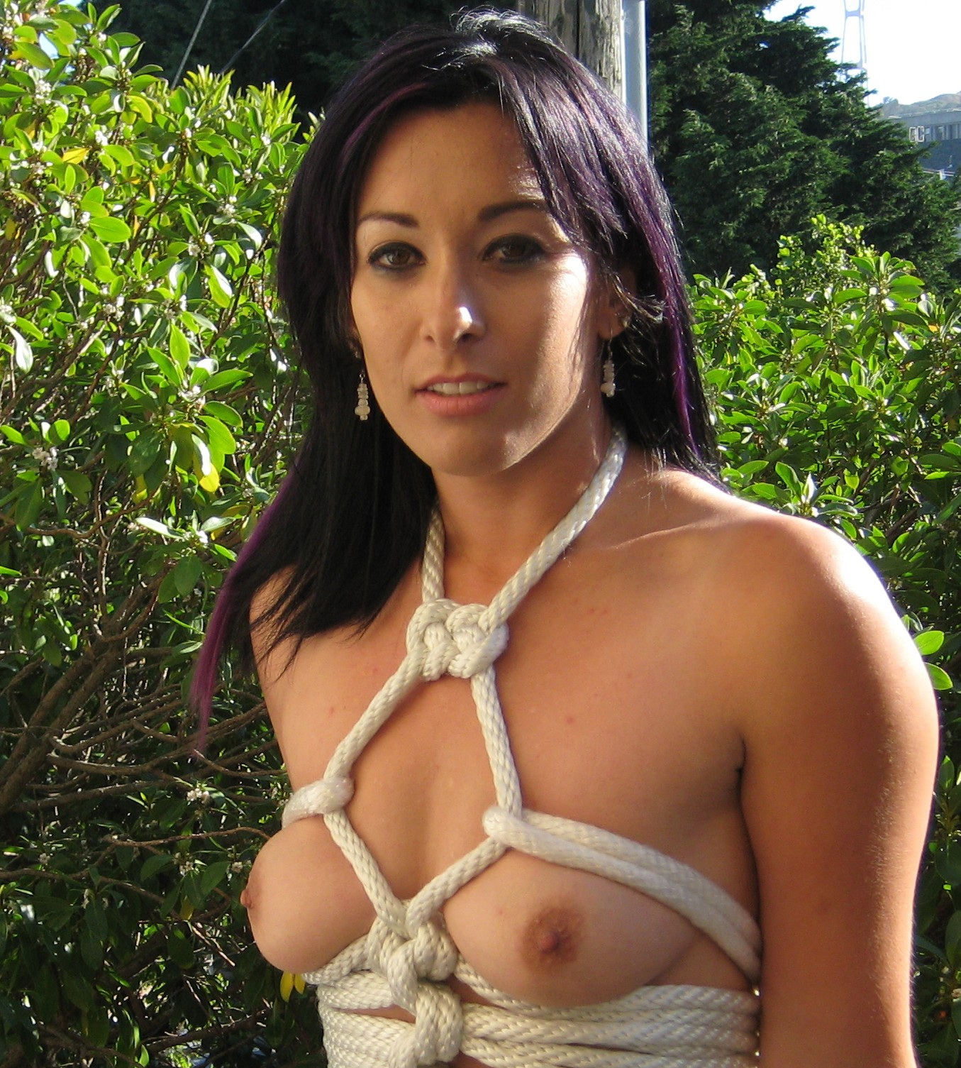 Sexy, sexy! Breast rope bondage she