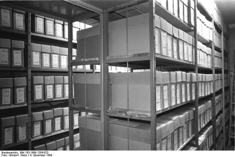 archiv f archiv f