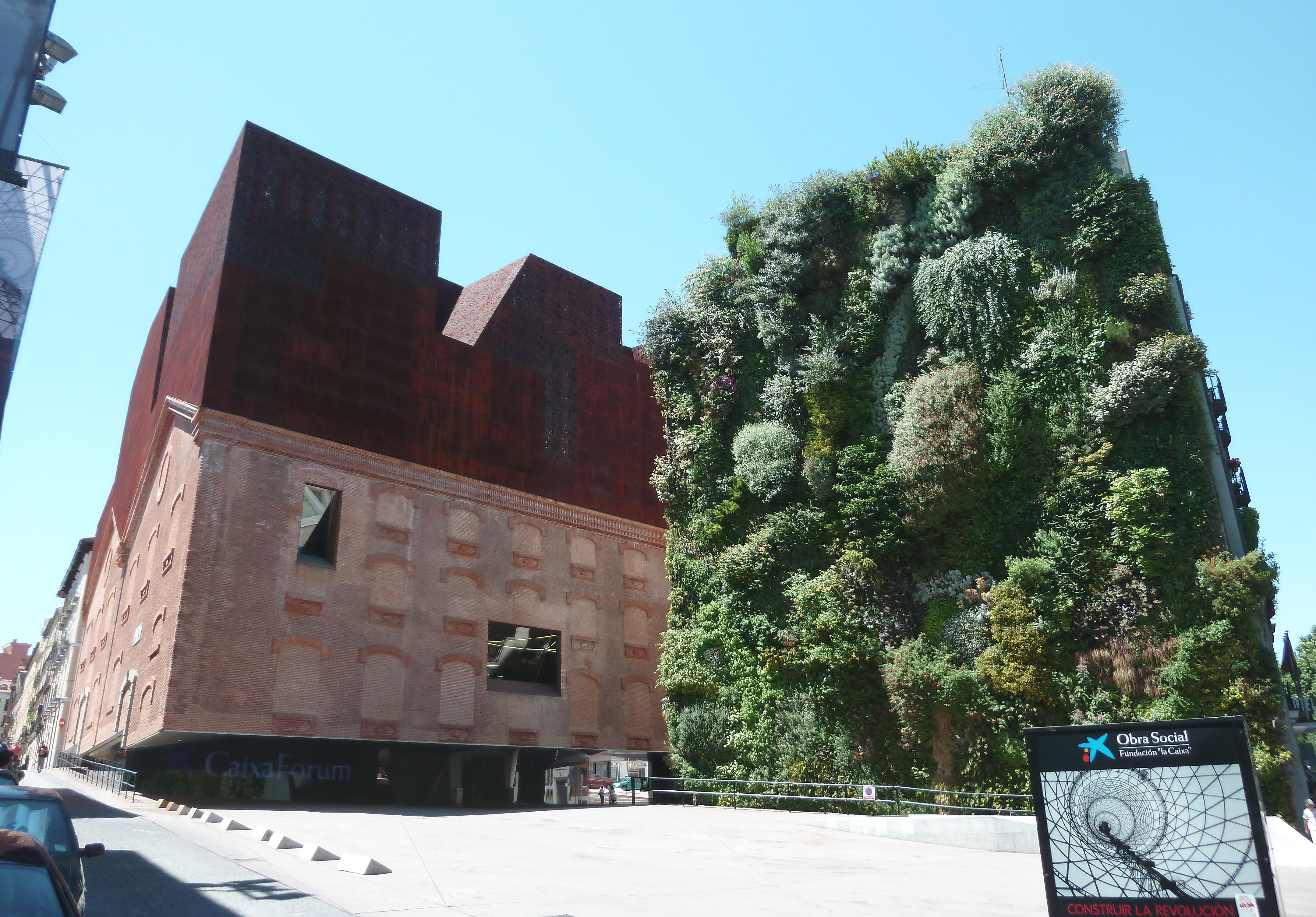 Caixaforum madrid wikiwand for Jardin vertical caixaforum madrid