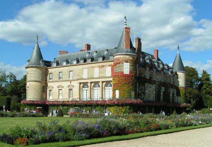 File:Château de Rambouillet.jpg