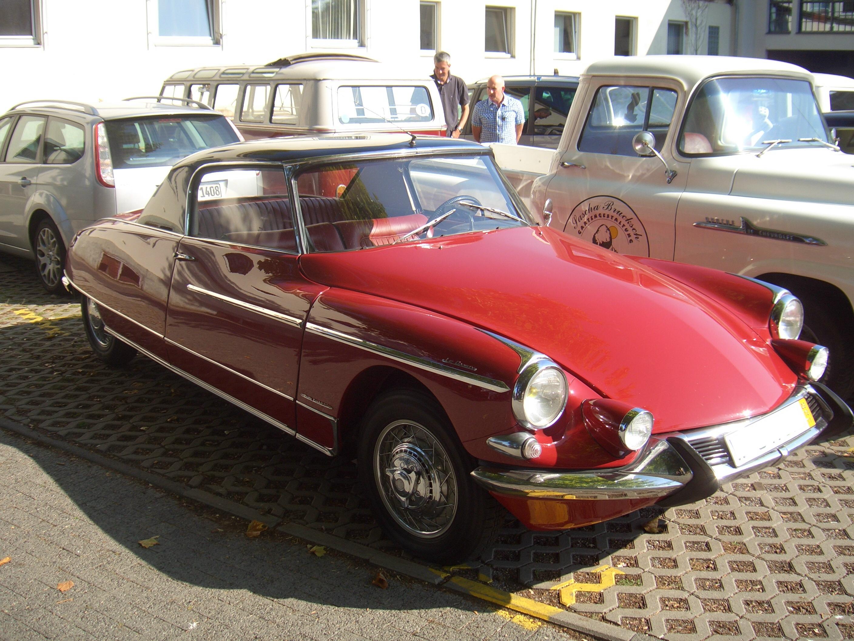 129 best citro n ds id 2nd nose images citroen ds autos cars rh pinterest com citroen ds 19 1958 a vendre citroen ds 19 cabriolet a vendre