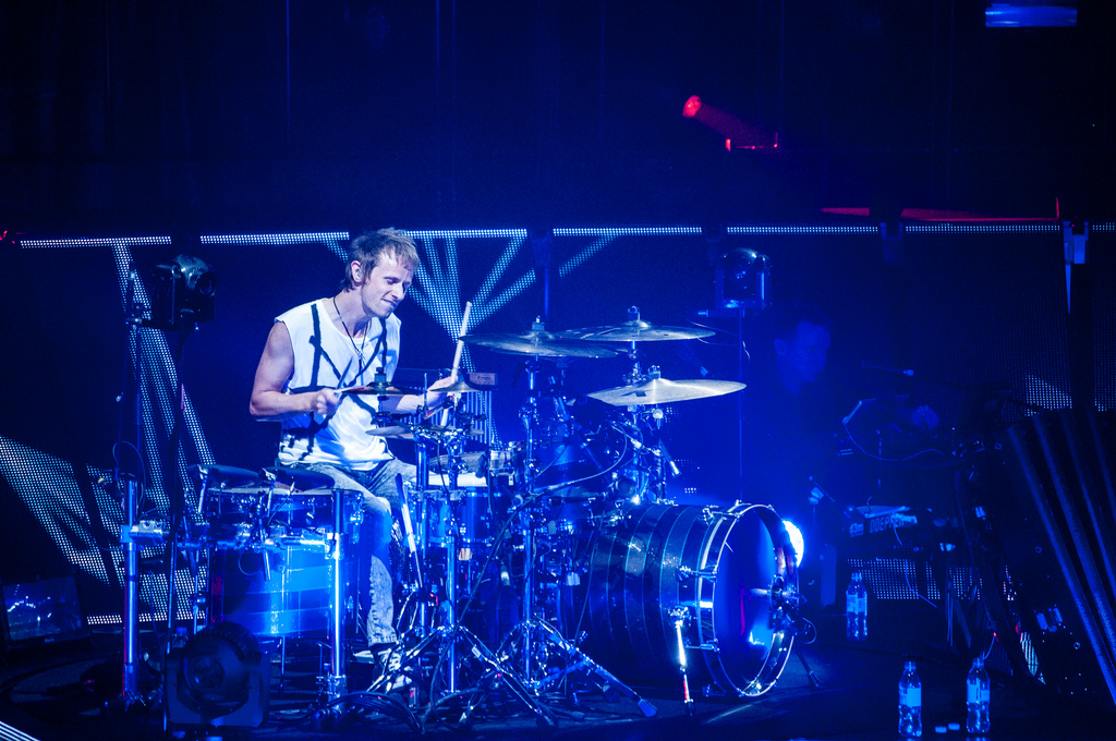 Dominic_Howard_of_Muse_at_Air_Canada_Cen