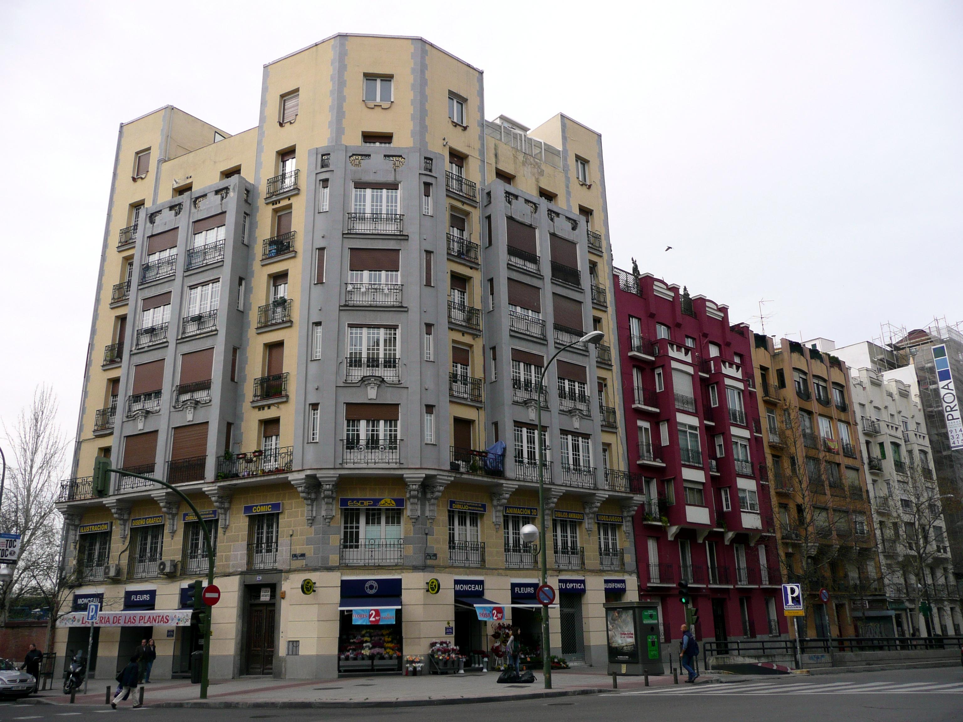 Archivo Edificio De Viviendas En La Calle Santa Engracia 129 De