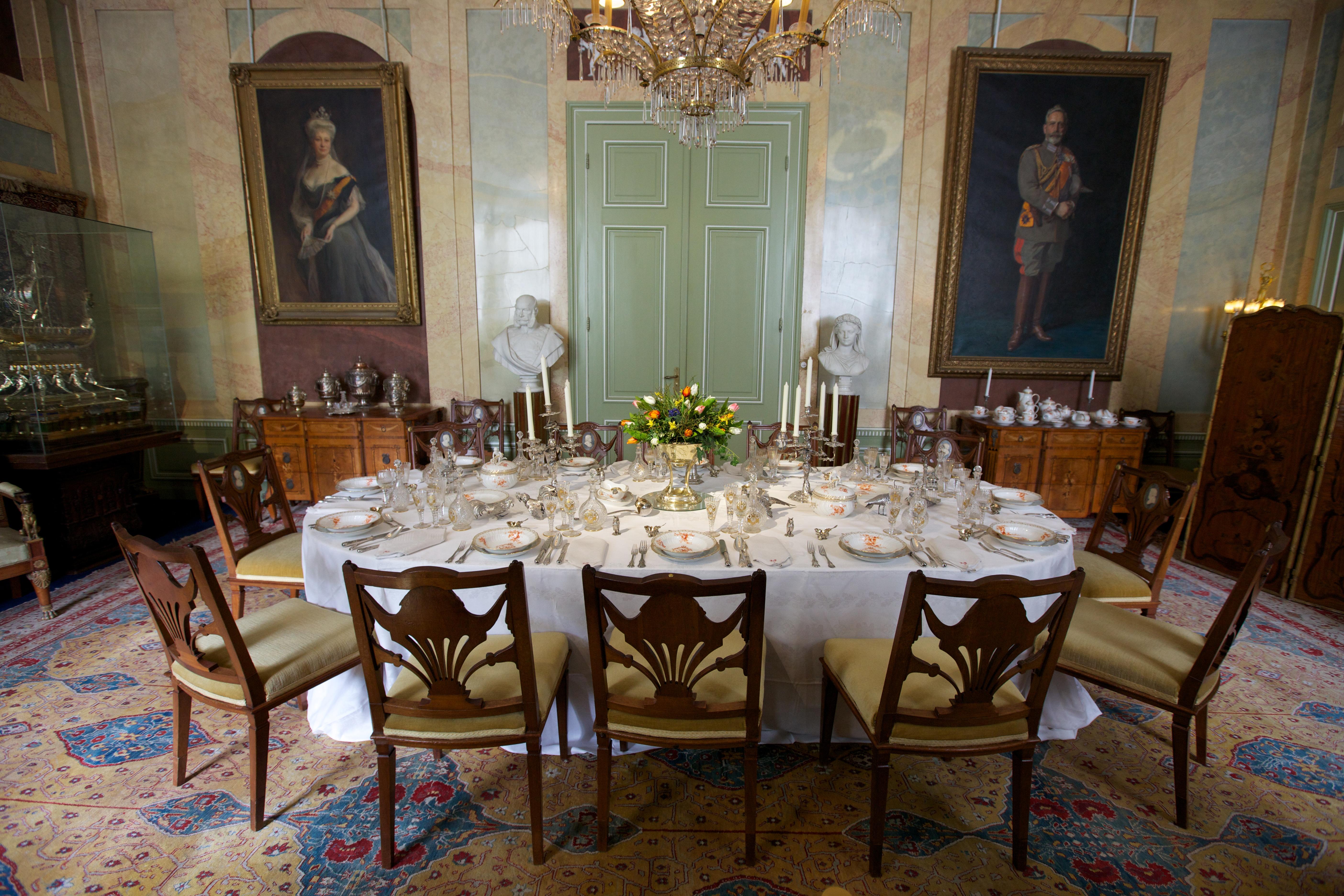 File eetkamer in huis doorn g wikimedia commons