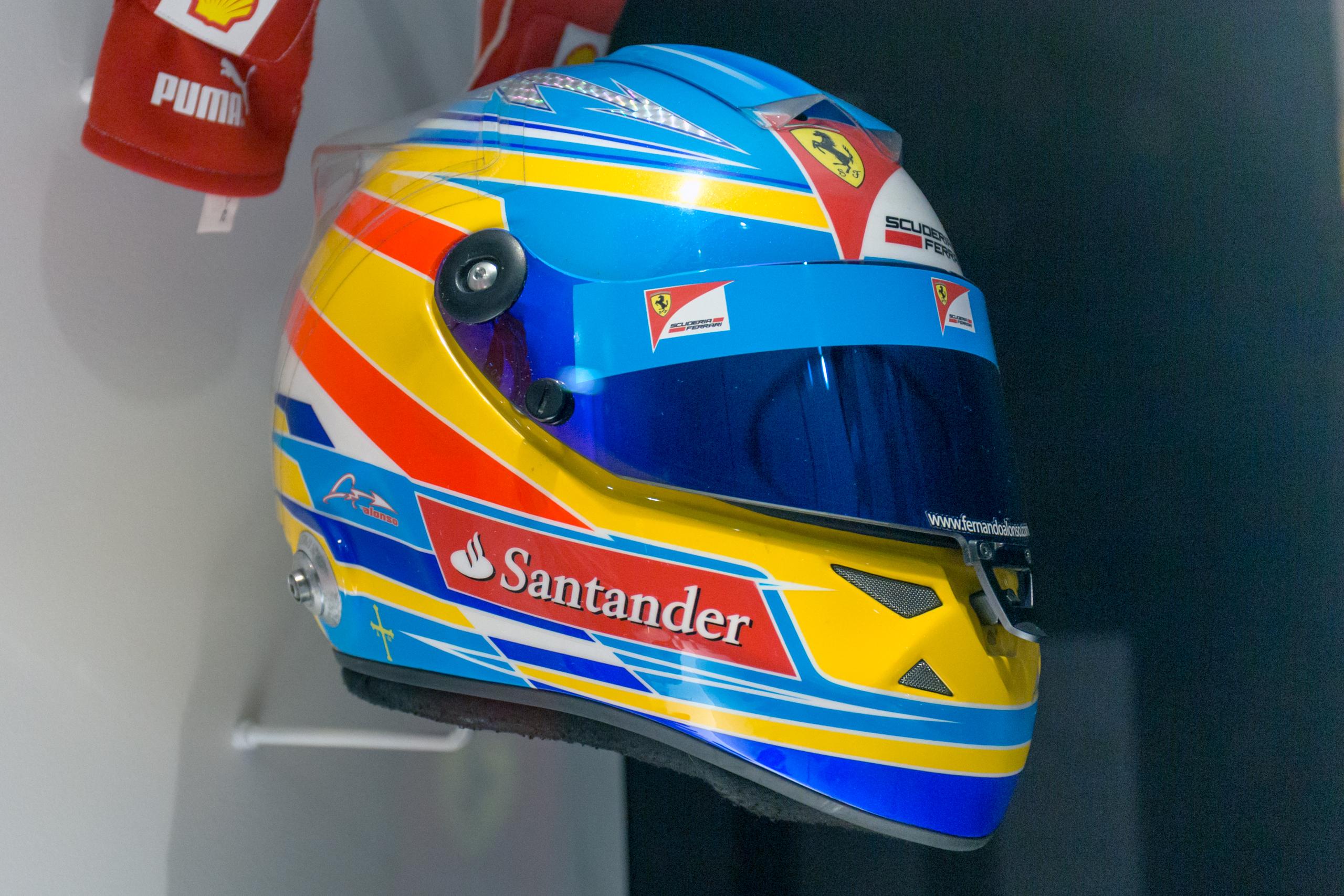 Museo Y Circuito Fernando Alonso : File fernando alonso helmet museo fernando alonso g