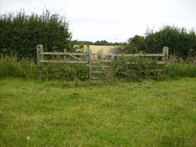 Gate on Foss Way Footpath near Cornborough Farm - geograph.org.uk - 526332