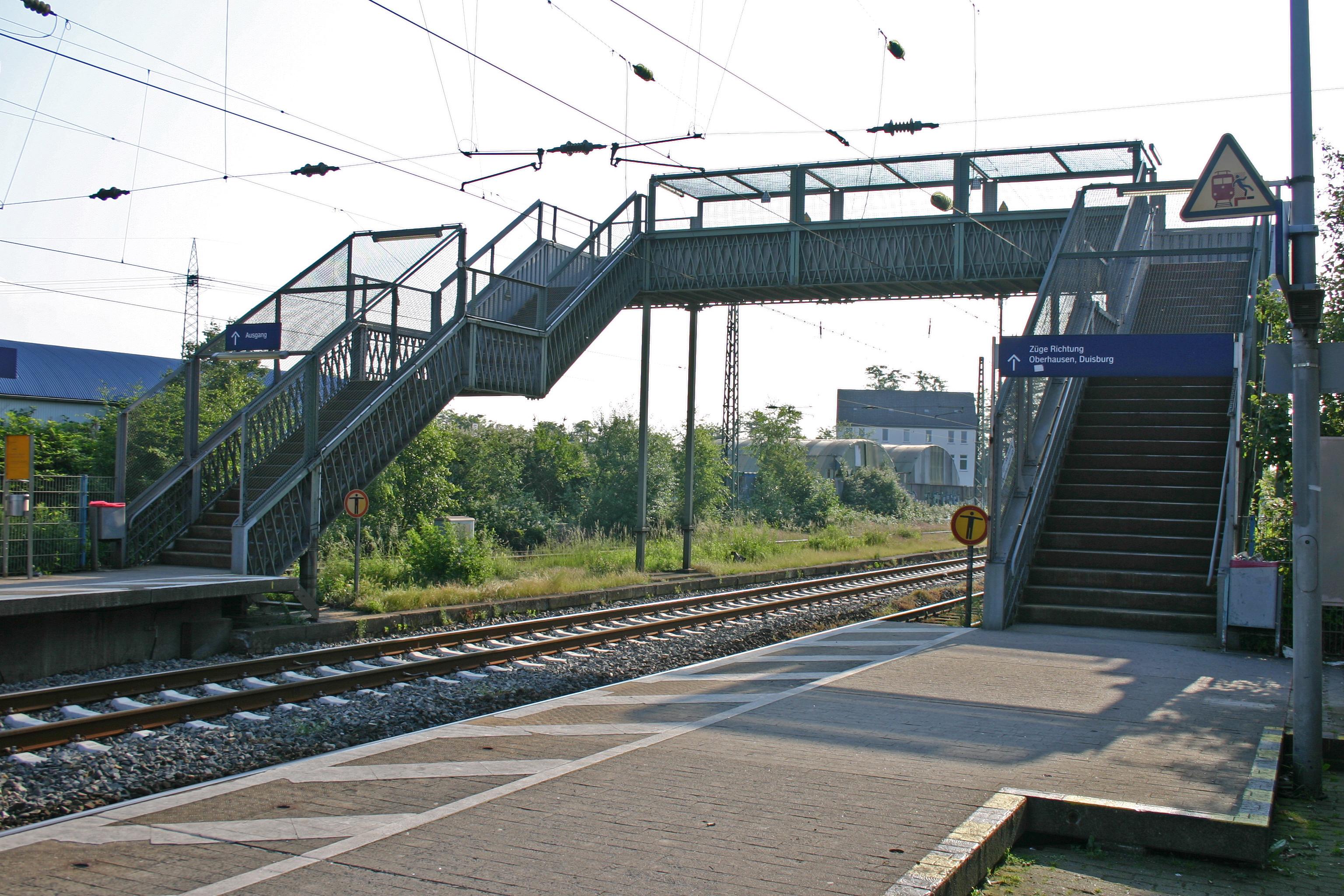 Treppen Essen file haltepunkt essen dellwig 02 treppen jpg wikimedia commons