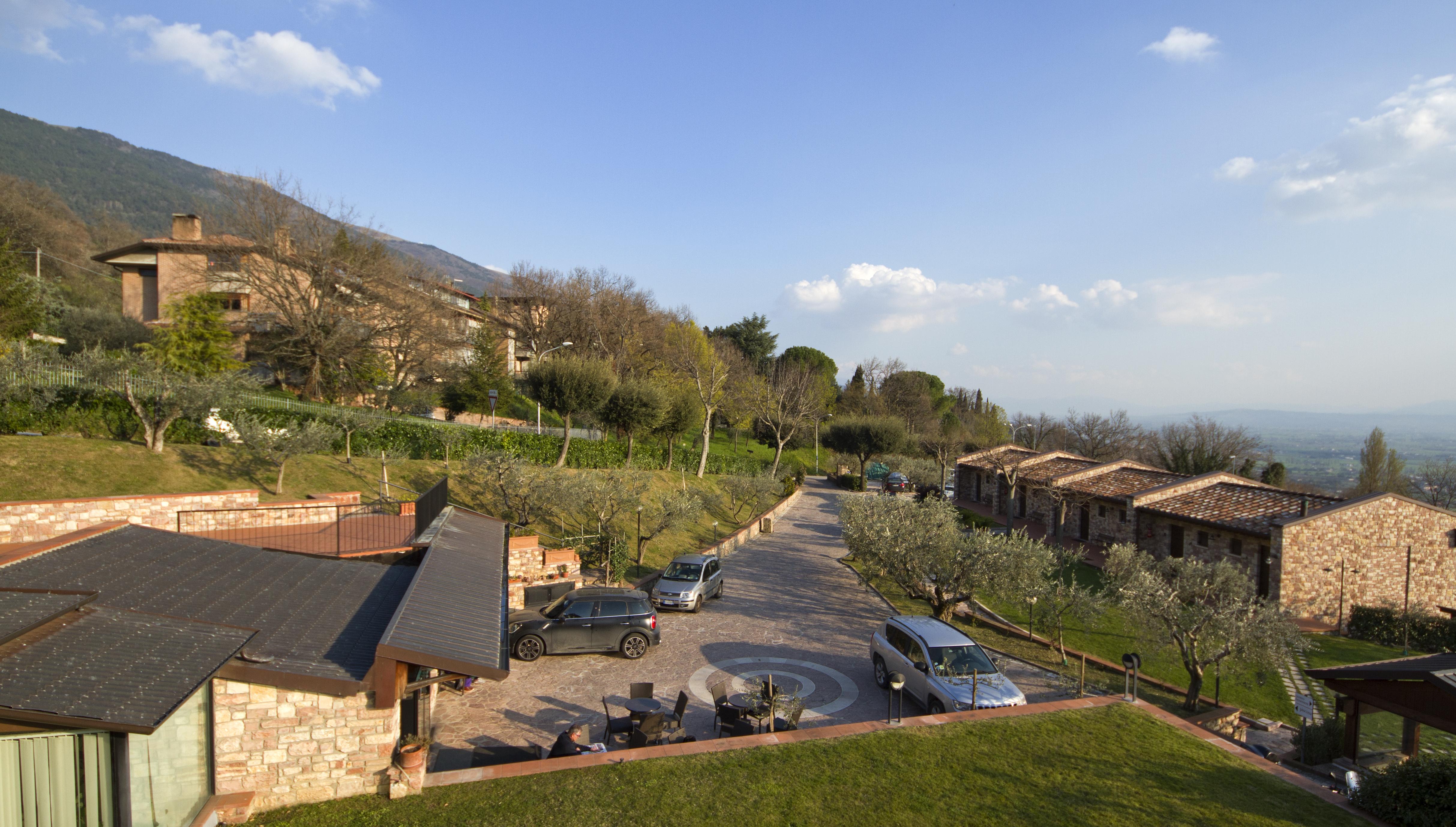 File:Hotel La Terrazza, Assisi PG, Umbria, Italy - panoramio.jpg ...