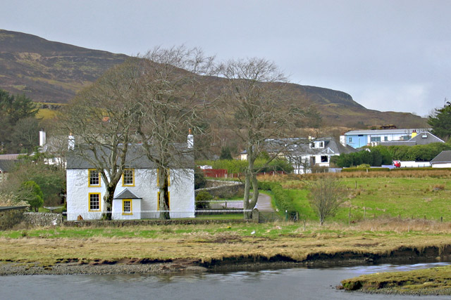 House by the shore of Loch Portree - geograph.org.uk - 726977