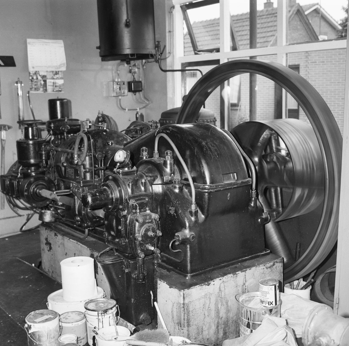 File interieur dieselmotor thomassen nieuw heeten for Interieur 605
