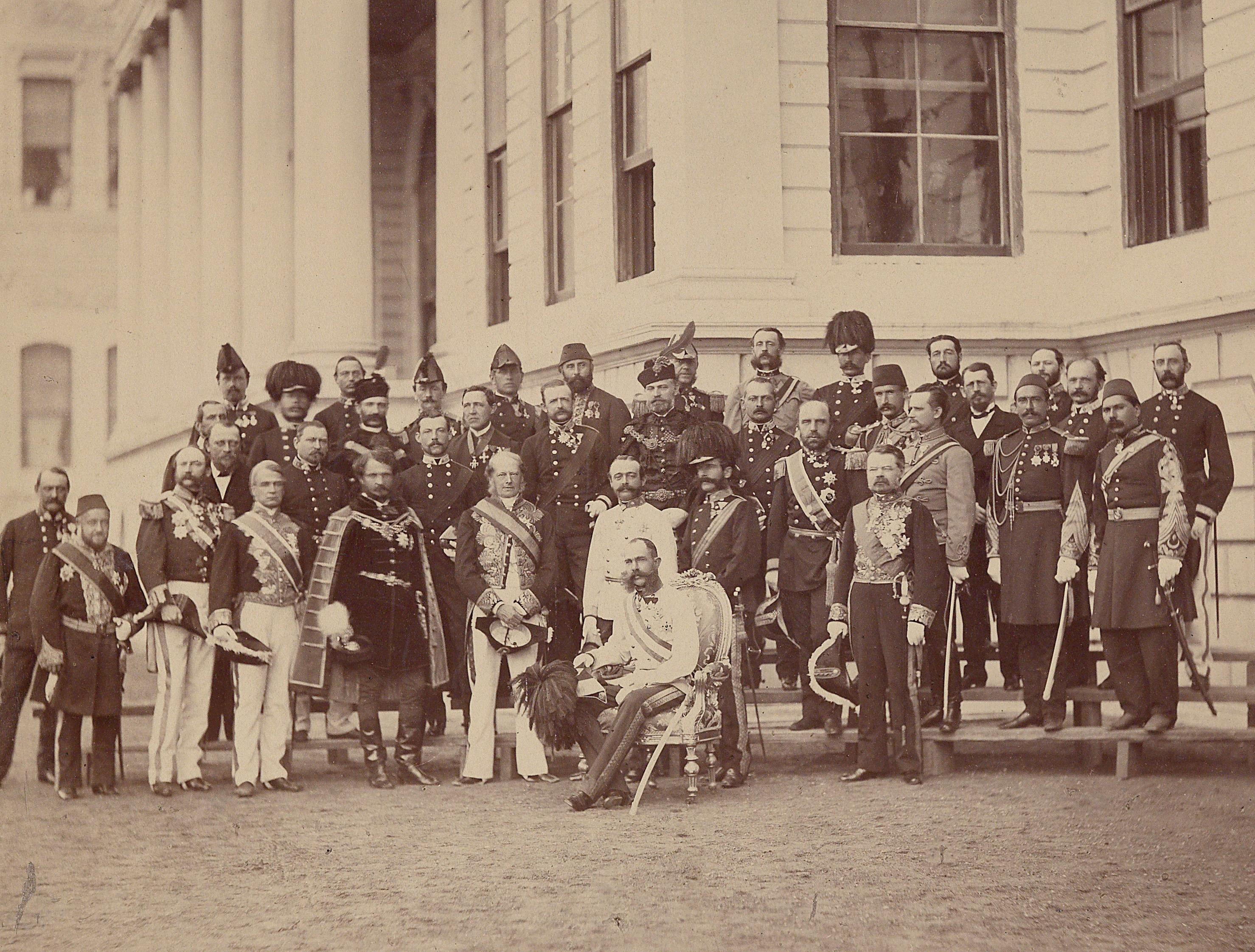 File:Kaiser Franz Joseph I mit Gefolge 1869.jpg