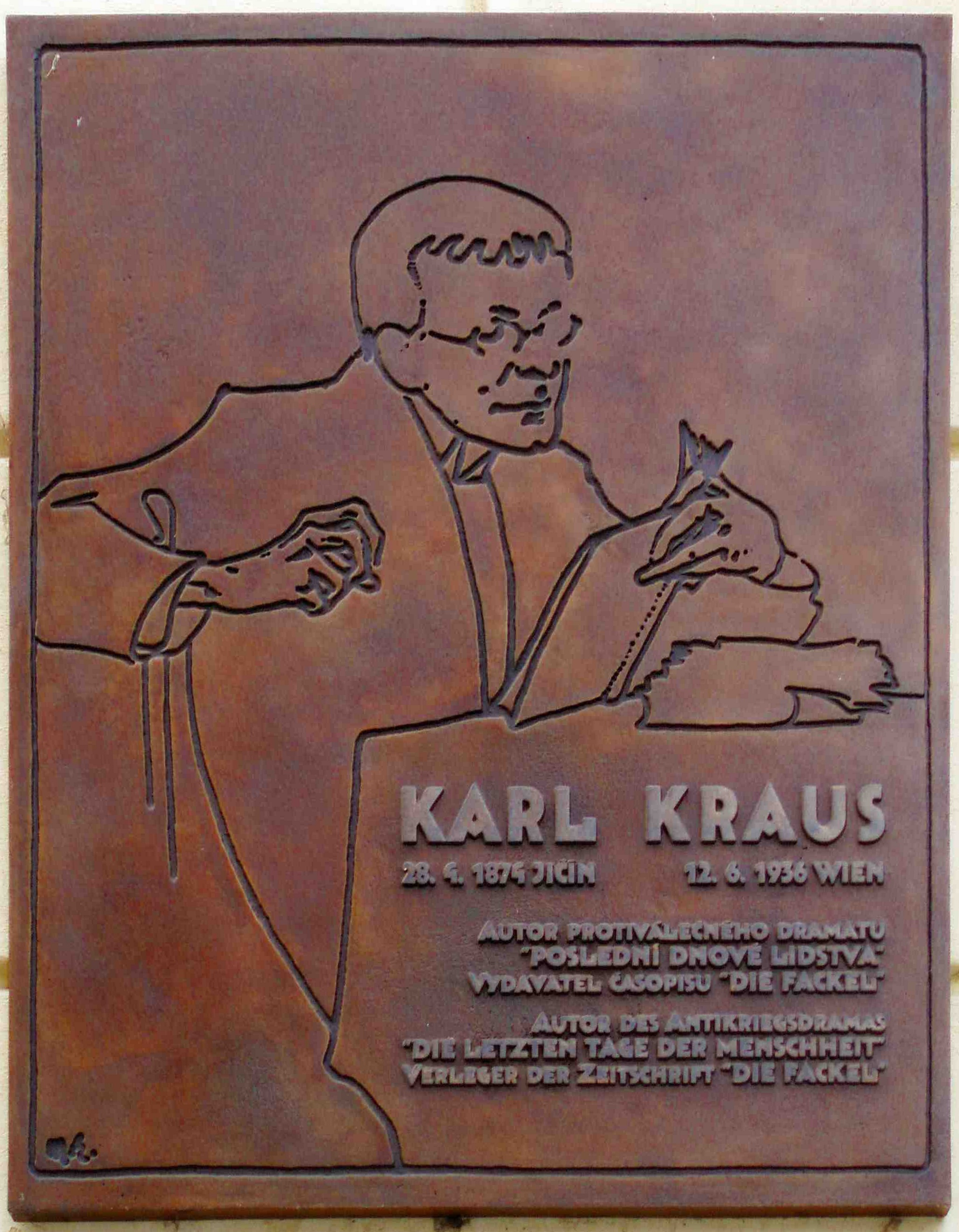 https://upload.wikimedia.org/wikipedia/commons/e/ee/KarlKraus.jpg