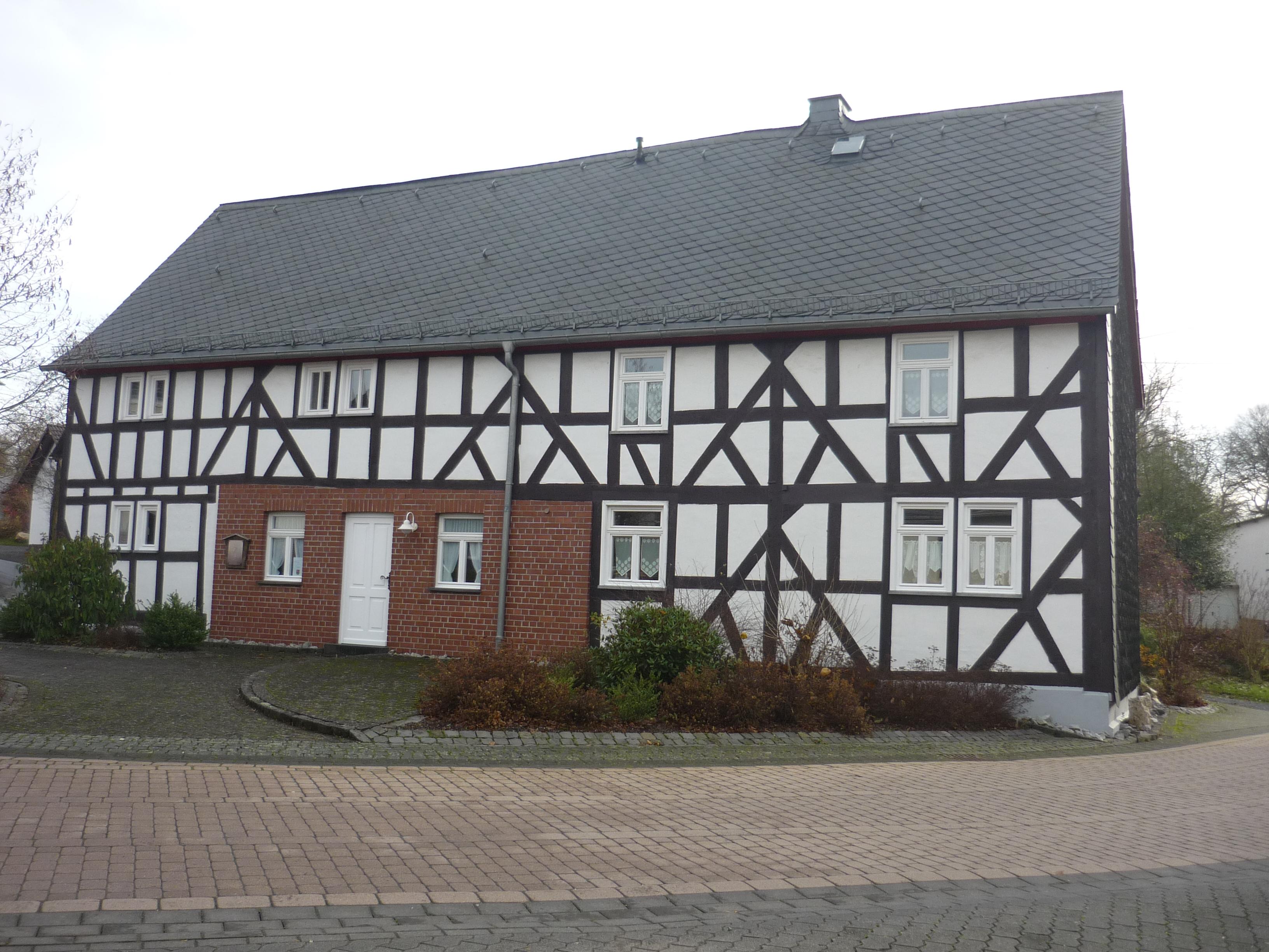 File:KroppacherSchweiz giesenhausen fachwerkhaus.jpg - Wikimedia Commons