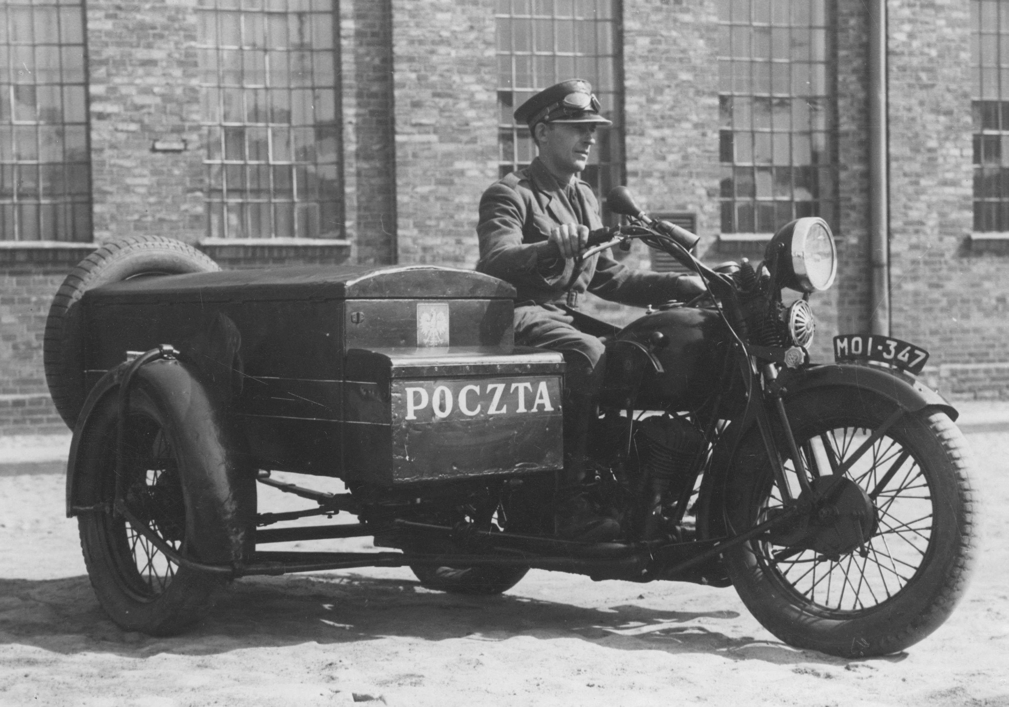 Kurier Wikipedia: File:Kurier Poczty Polskiej Na Sokole 1000.jpg