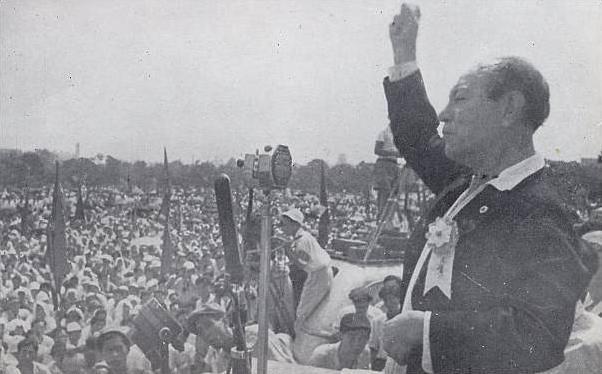 ファイル:Kyuichi Tokuda speech 1946.jpg
