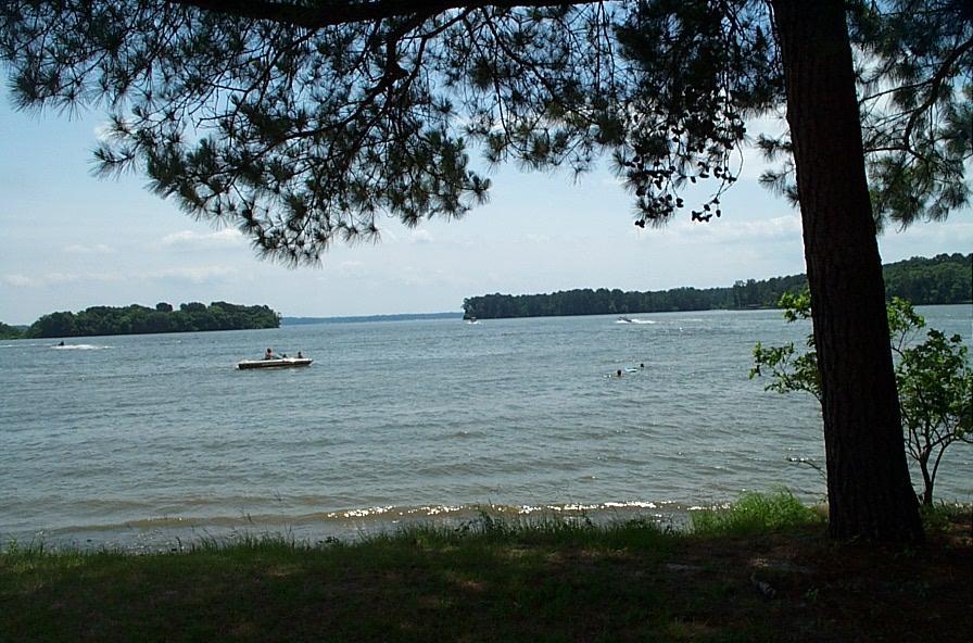 Lake Livingston - Wikipedia